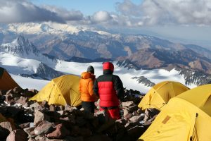 climbers trying to avoid altitude sickness